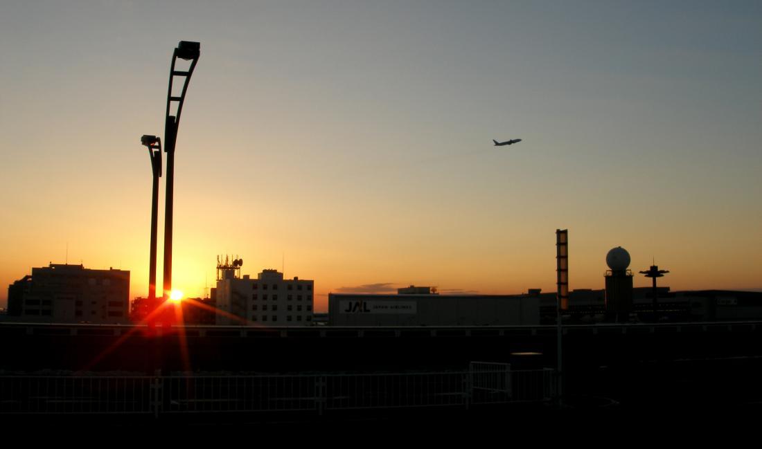 遠離日本的夕陽