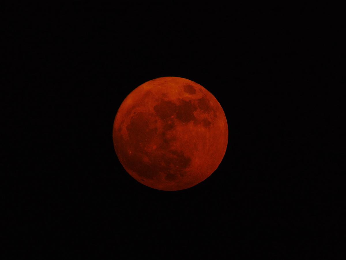 2016 11 14 17:36 紅色滿月