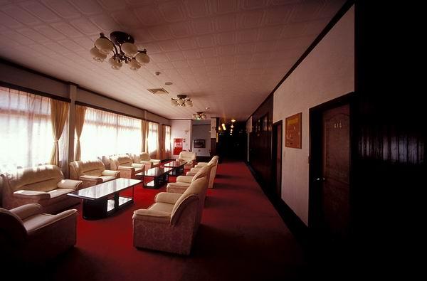 木造的阿里山賓館6樓大廳